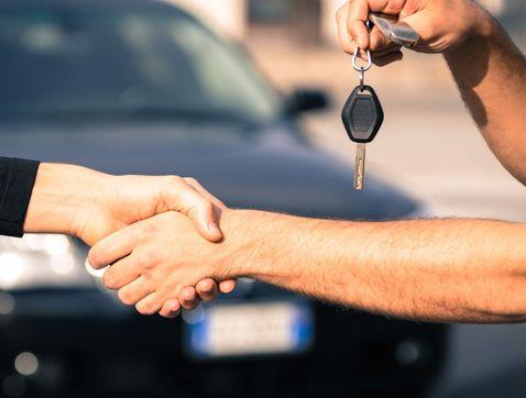 Las ventas de coches en mayo subieron un 21% en España