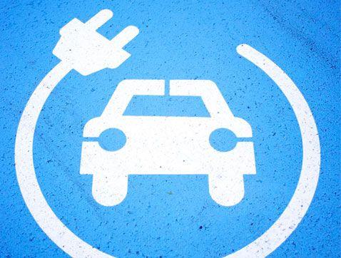 ¿Se conduce igual un coche eléctrico que uno tradicional?
