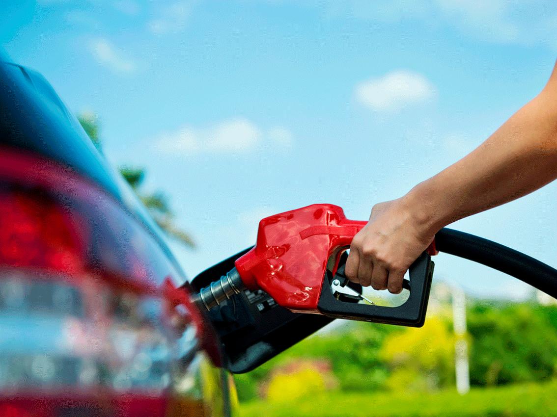 Trucos para ahorrar combustible y dinero con unos simples gestos