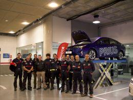 Toyota Murcia traslada a los bomberos de Murcia todos los secretos de la tecnología híbrida