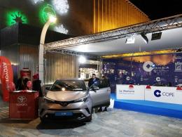 El nuevo Toyota C-HR recibe la Navidad junto a la Cadena Cope