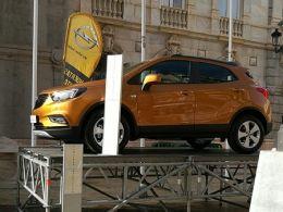 Miles de personas disfrutan del roscón de Reyes con Opel Cartagena y Cope